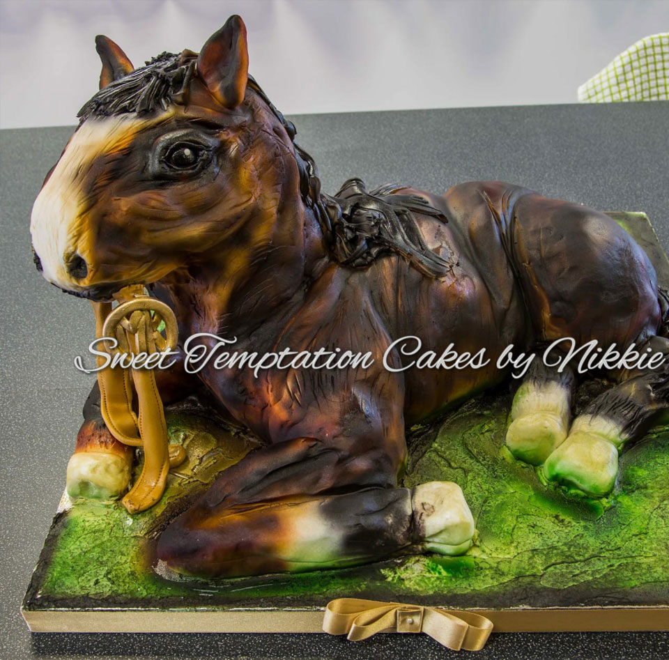 hand_carved_cakes_5