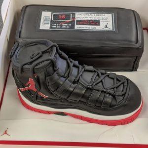 Footwear cake
